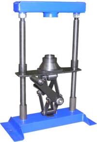Стенд для разборки и сборки энергоаккумулятора тормозной камеры 661-3519ХХХ Модель С2